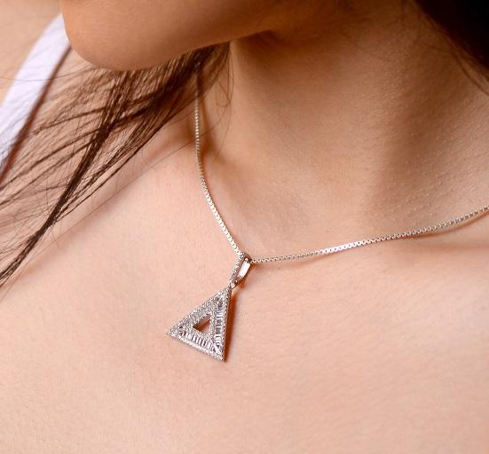 آویز نقره طرح مثلث