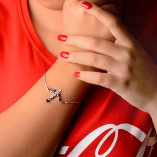 دستبند خاص و لاکچری نبض عشق