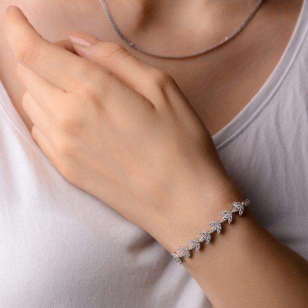 دستبند برگ خزان طرح لاکچری نقره