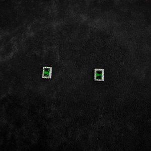 گوشواره سبزمیخی