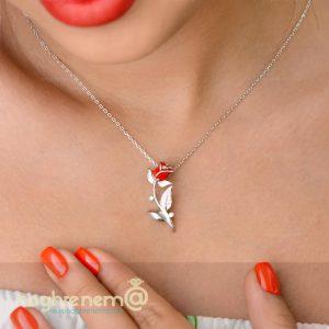 گردنبد گل قرمز در زیورالات